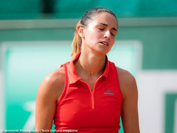 Amandine Hesse reacts after losing a point during her first-round loss to Marketa Vondrousova at the 2017 French Open. | Photo: Jimmie48 Tennis Photography