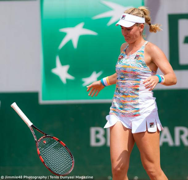 Timea Babos gets frustrated with herself | Photo: Jimmie48 Tennis Photography