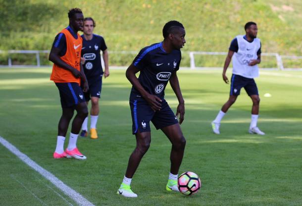 Blaise Matuidi durante una sessione di allenamento con la Nazionale francese. Foto: Twitter