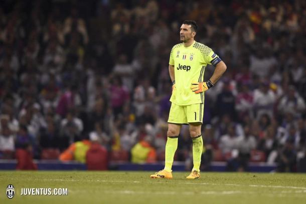 Buffón abatido tras perder la final de la Champions por tercera vez en su carrera | Foto: Juventus