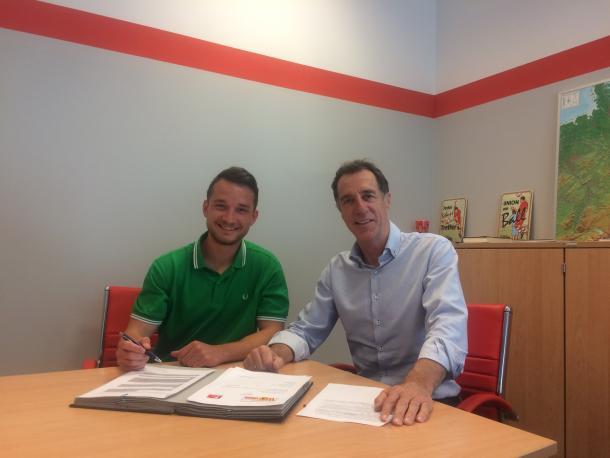 Peter Kurzweg puts pen to paper at Union Berlin. | Photo: 1. FC Union Berlin