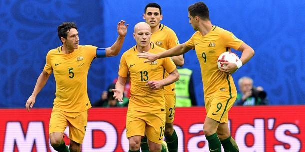 Sorrisi australiani dopo il pari. | Fonte immagine: Twitter @Socceroos