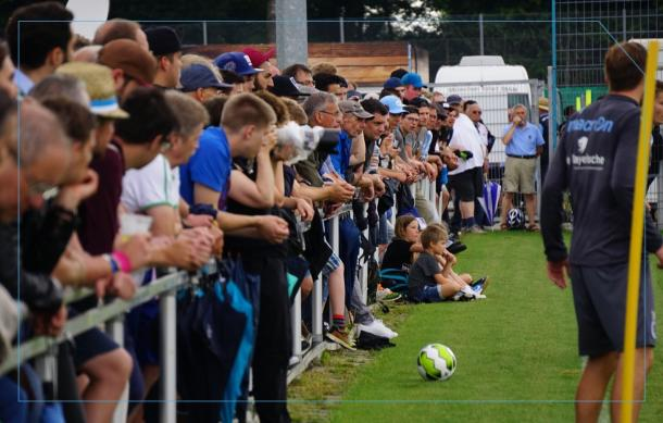 Over 500 fans attended the first training session since relegation. | Photo: 1860 Munich.