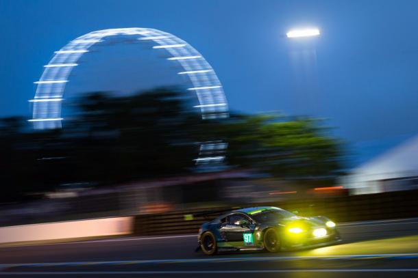 Darren Turner took an enthralling pole in GTE Pro. | Photo: Twitter/Aston Martin Racing