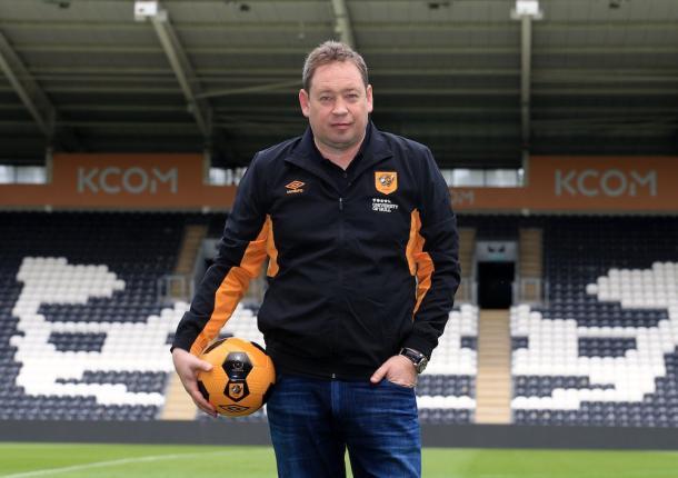 Slutsky en su presentación con los Tigers | Foto: Hull City.