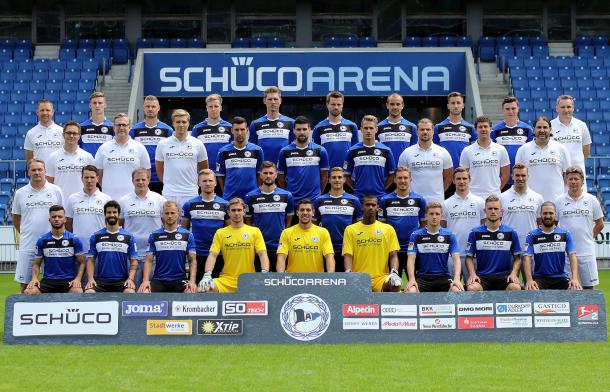 Bielefeld's 2017-18 season squad photo, with Quaschner in the top row, second right. | Photo: Arminia Bielefeld