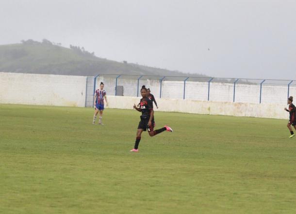 Leoas chegaram à virada diante das Tricolores no começo do segundo tempo (Foto: Anderson Freire/Sport)
