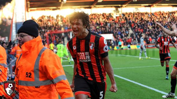 El la primera parte de la temporada 2016/17 Aké anotó 3 goles para los Cherries | Foto: AFC Bournemouth.