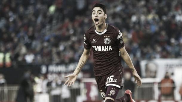 Idol at Cerro Porteño and Lanus, Almiron became a league champion at the both the clubs he's played for. Photo: Diario Ole