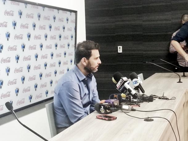 Duilio Davino en conferencia de prensa | Foto: Juan Carlos Monroy / VAVEL México