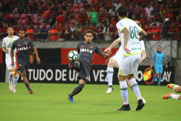 Responsável pela criação do Leão, Everton Felipe foi um dos mais incisivos em campo (Foto: Williams Aguiar/Sport)