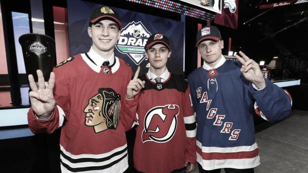 Kirby Dach, Jack Hughes y Kaapo Kakko | Foto: NHL.com