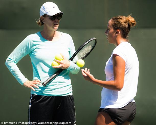 Lindsay Davenport and Madison Keys during a coaching session in Stanford | Photo: Jimmie48 Tennis Photography