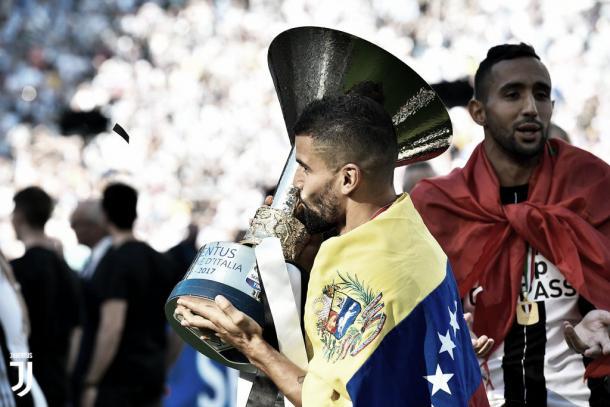 Tomás Rincón celebrando el título de Serie A con la Juventus / Foto: Prensa Juventus FC
