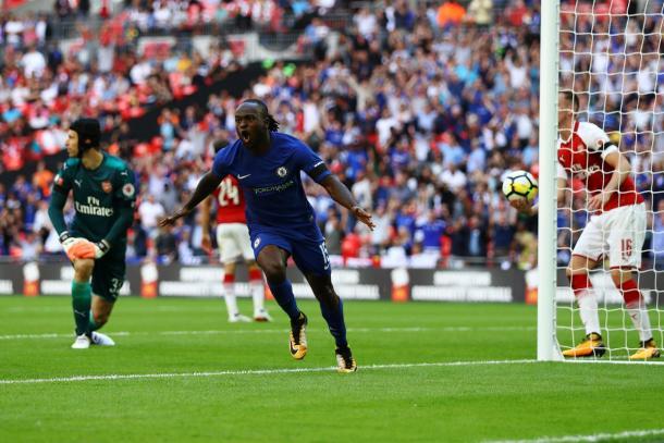 L'esultanza di Moses al goal del vantaggio | Foto: @squawka