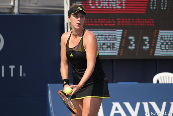 Anastasia Pavlyuchenkova prepares to serve | Photo: Max Gao / VAVEL USA Tennis