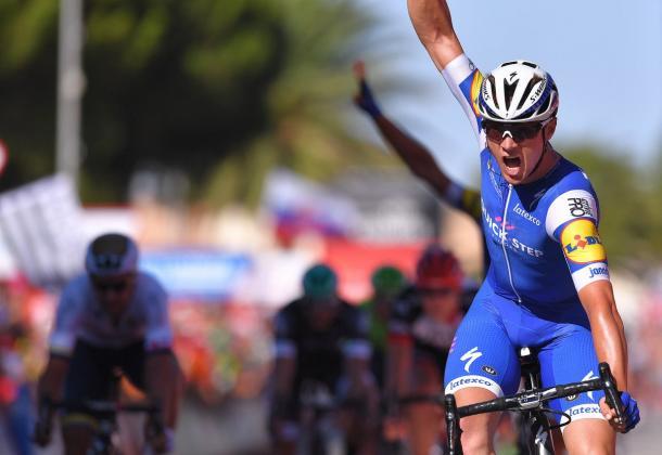 Lampaert celebrando la victoria conseguida   Foto: Tim de Waele - Quick Step