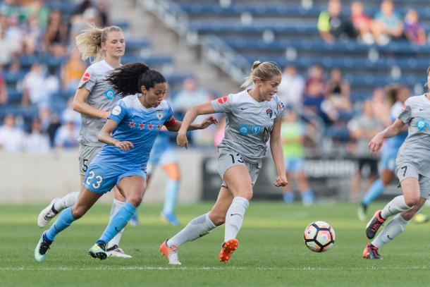 Christen Press (left) chases Abby Dahlkemper | Source: North Carolina Courage