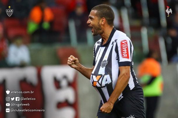 Clayton comemora gol na primeira etapa. Foto: Divulgação C.A.M