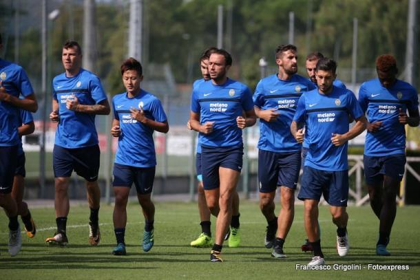 Uno degli allenamenti settimanali dell'Hellas. | Fonte: fotoexpress via twitter.com/HellasVeronaFC