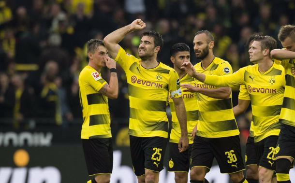 Bundesliga, il Borussia Dortmund travolge il Colonia e torna in vetta