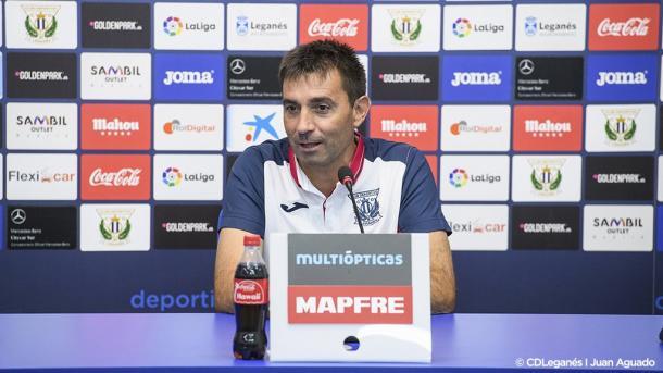 Asier Garitano responde a la prensa. / Foto: deportivoleganes.com