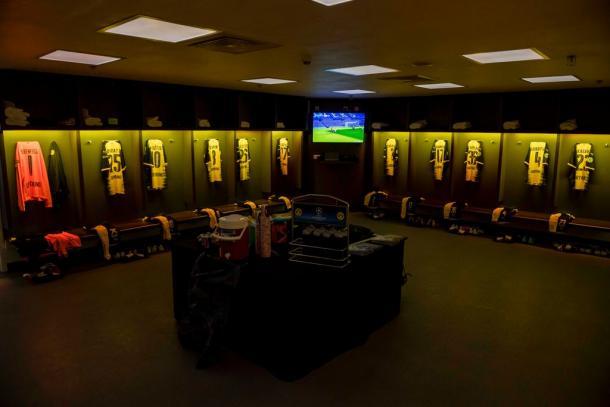 UEFA Champions League: perdono Napoli e Dortmund, apoteosi City in Olanda