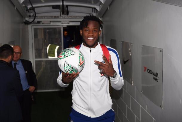 Batshuayi se llevó el balón a su casa | Foto: Chelsea.