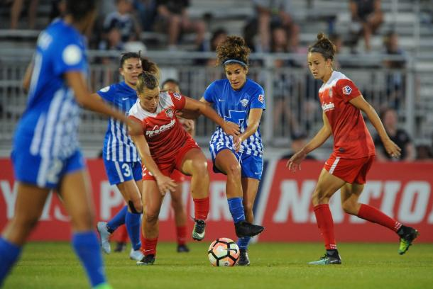 The Spirit did not find much joy in midfield against the Breakers | Source: washingtonspirit.com