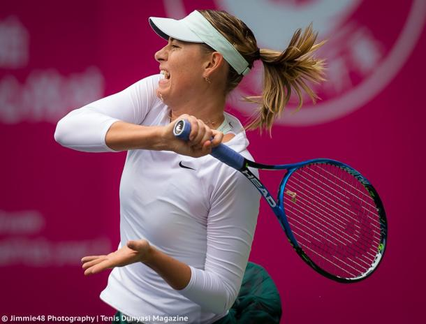 Maria Sharapova hits a forehand at the Tianjin Open | Photo: Jimmie48 Tennis Photography