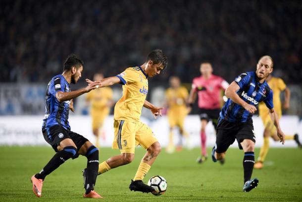 Dybala in azione nell'ultima gara di campionato con l'Atalanta. Foto: Twitter JuventusFC