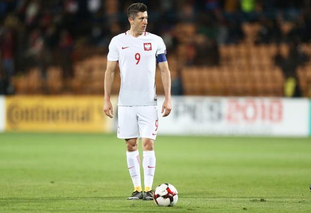 Lewandowski tris da record, la Polonia asfalta l'Armenia e vede Russia 2018