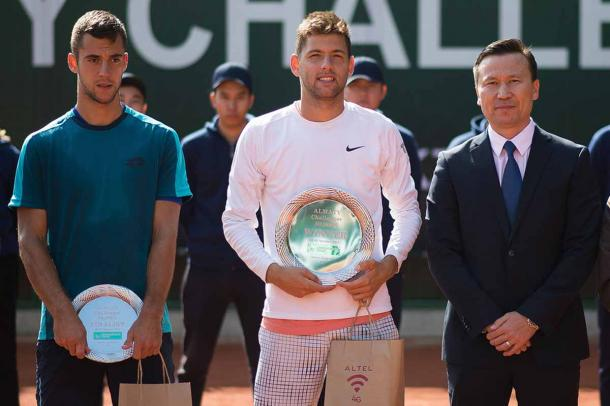 Krajinovic stands alongside runner up Djere with his Almaty plate (ATP Challenger Tour)