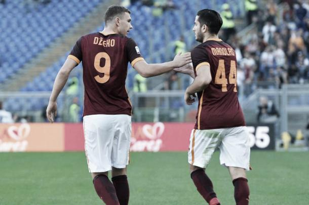 Dzeko and Manolas celebrate | Photo: pagineromaniste.com