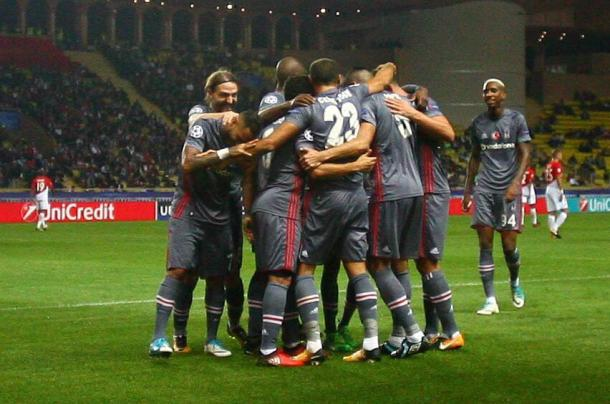 La gioia del Besiktas dopo il 2-1 | Source: twitter @Besiktas