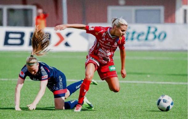 Lotta Ökvist in action in the Damallsvenskan | Source: bostonbreakers.com