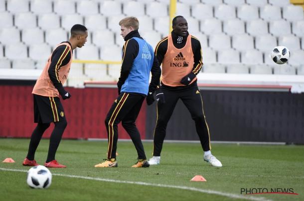 De Bruyne y Lukaku en un entrenamiento (twitter selección de fútbol belga)