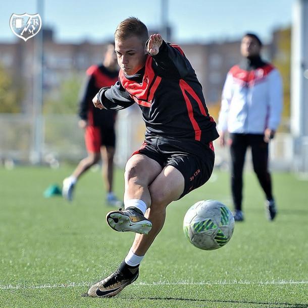 Sergio Benito durante una sesión de entrenamiento. Fotografía: Rayo Vallecano S.A.D.