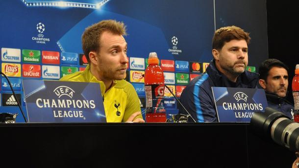 Eriksen junto a Pochettino | Foto: Tottenham.