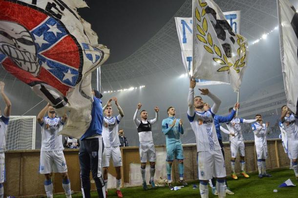 El U. Craiova festejando los logros de la temporada pasada | Foto: @OfficialUCR