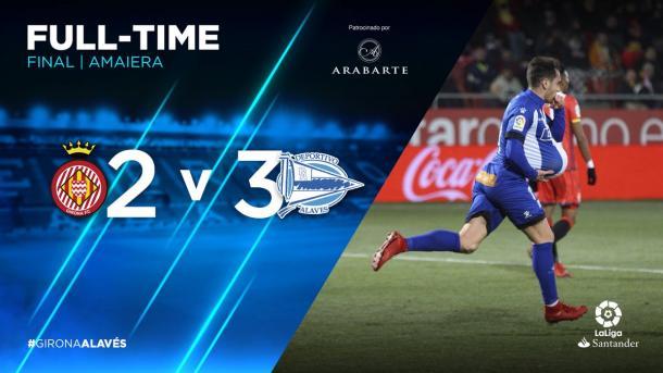 Ibai Gómez se lleva el balón del partido, tras el hat trick conseguido. Fuente: deportivoalaves.com
