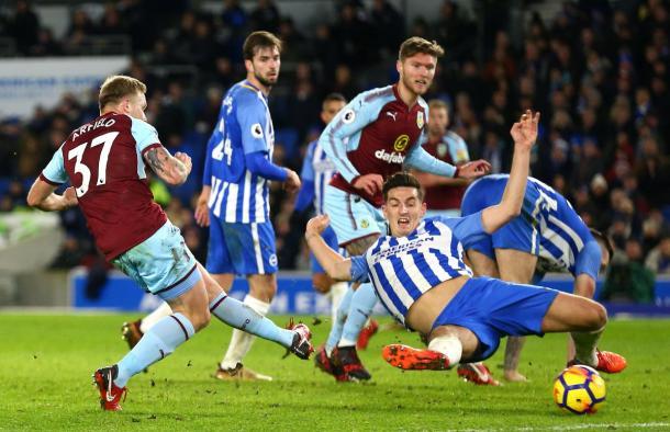 El Burnley pudo adelantarse hasta en tres ocasiones   FOTO: Premier League