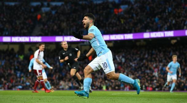 Agüero marcó dos tantos en dos minutos y puso adelante a los Citizens | Foto: Premier League.