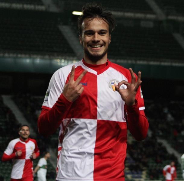 Guillemenot celebrando un gol que dio tres puntos   Foto: Sandra Dihör - CE Sabadell