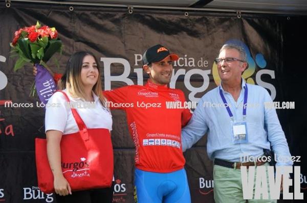 Daniel Díaz, maillot rojo de la montaña en la Vuelta a Burgos. | Foto: Marcos López - VAVEL
