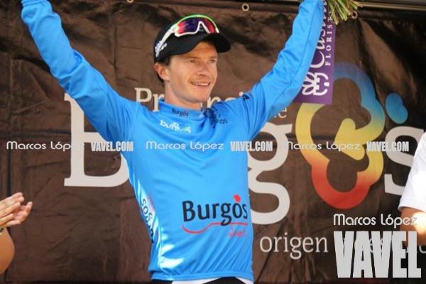 Benjamin King, maillot azul de las metas volantes en la Vuelta a Burgos | Foto: Marcos López - VAVEL