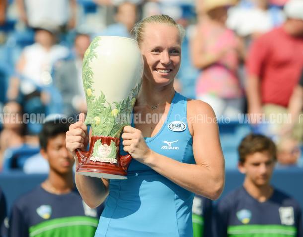 Kiki Bertens with her Cincinnati title