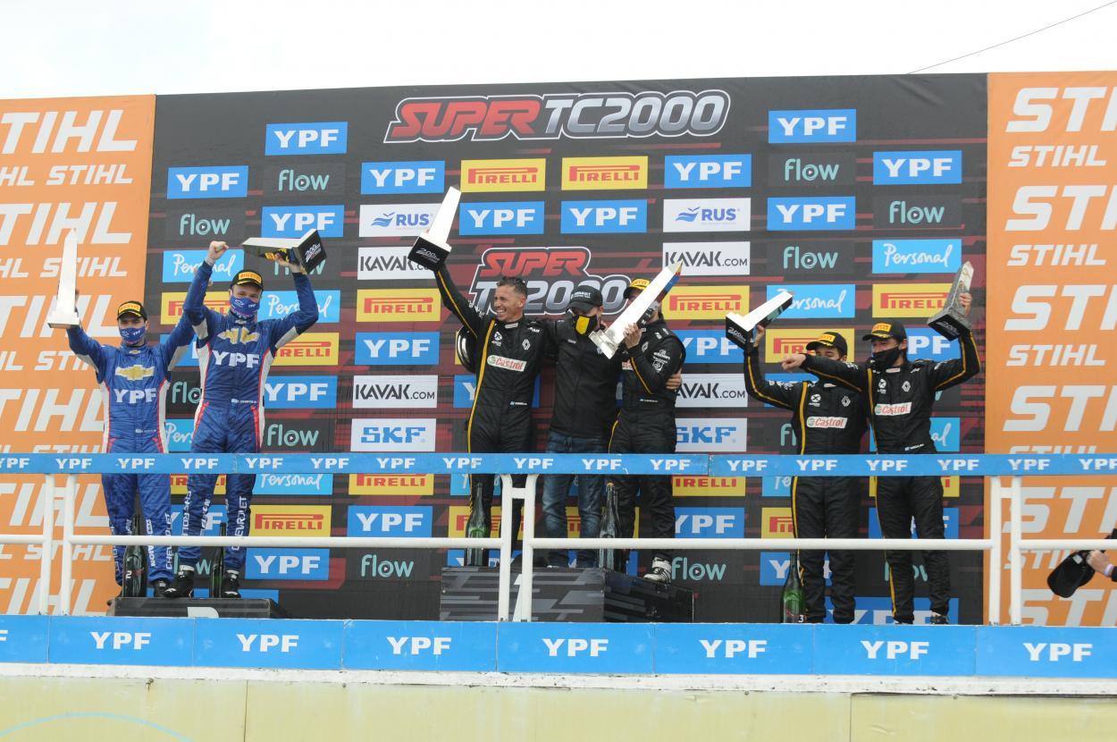 El podio ganador de los 200 KM de Bs As: Foto Super TC2000