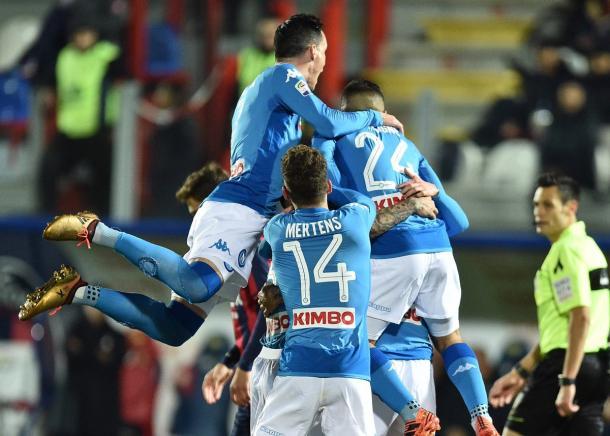 Piña de los jugadores del Napoli   Foto: SSC Napoli