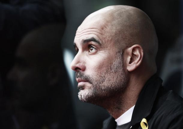Guardiola y su mirada de preocupación en el encuentro frente a Crystal Palace. Foto: Sitio oficial de la Premier League